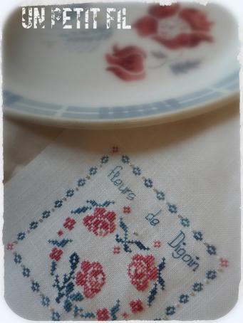 Fleurs de digoin cerise et bleu petrole par un petit fil 1
