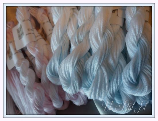 Les brumes roses et bleues un petit fil