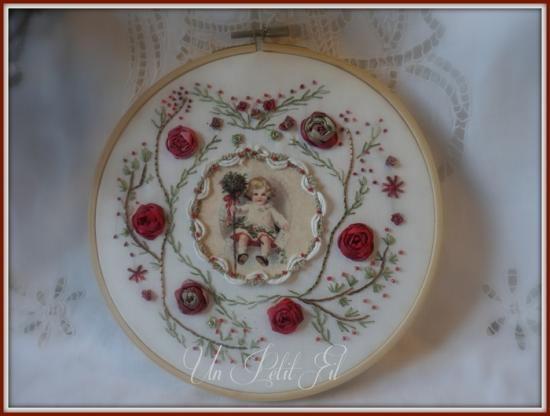 Noel a l ancienne version broderie traditionnelle et soies