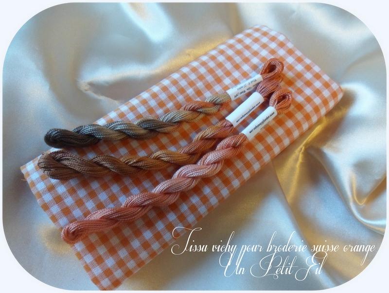 Tissu vichy orange pour broderie suisse un petit fil 1