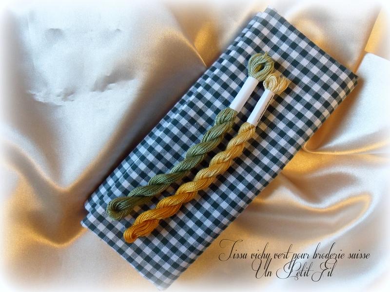 Tissu vichy vert pour broderie suisse un petit fil 1