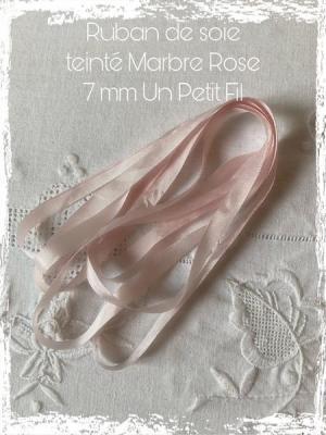 ruban de soie teinté 7 mm Marbre rose Un Petit Fil