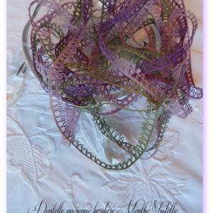 Dentelle ancienne bordure menthe violette un petit fil 1