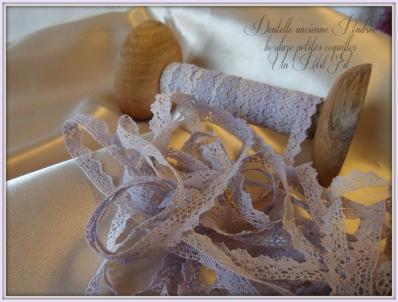 Dentelle poudree ancienne bordure petites coquilles 2