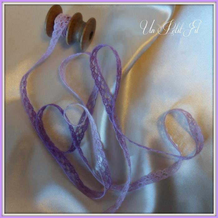 Dentelle simple violette 1