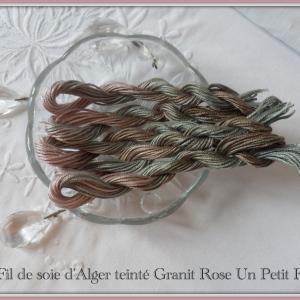 Fil de soie d alger teinte granit rose un petit fil