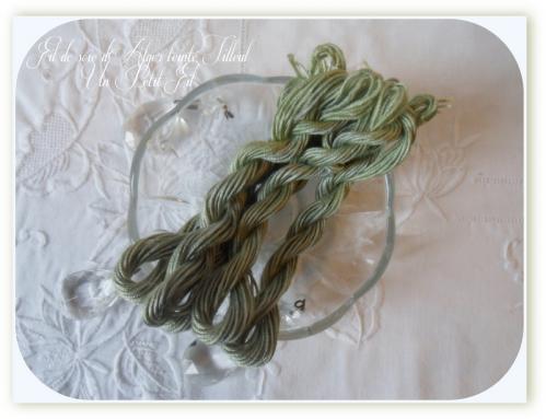 Fil soie d alger teinte tilleul un petit fil