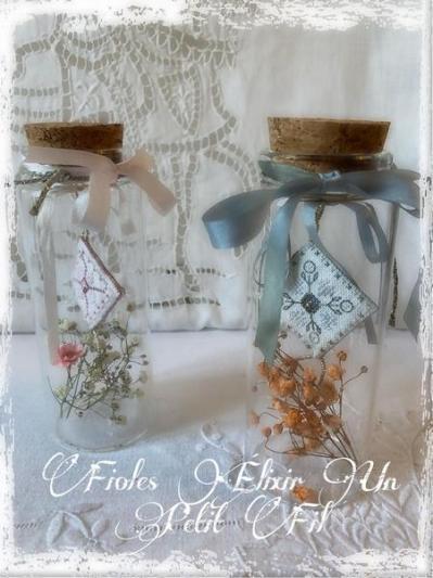 Fioles elixir flanelle et petale de rose un petit fil
