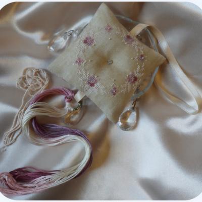 Kit Pendouille à Ciseaux Félicité Nacres Roses