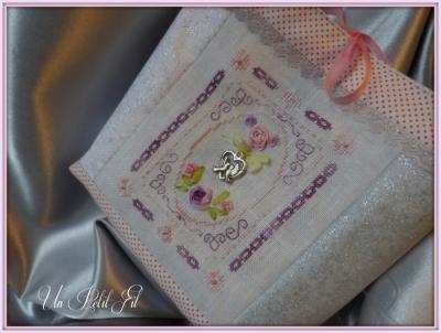 Kit Grand Médaillon soies bicolore Violette et Florette (toile 14 fils/cm)