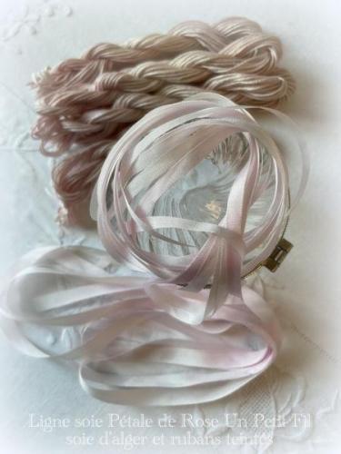 Ligne soie petale de rose un petit fil