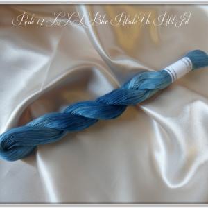 Perles 12 xxl bleu petrole un petit fil