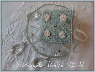 Kit  Pochette à aiguilles Maria (sur toile 14 fils/cm)