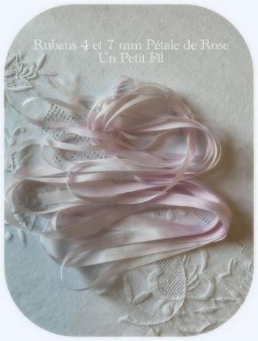 Ruban 4 et 7 mm petale de rose un petit fil