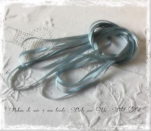 Ruban de soie 4 perle un petit fil