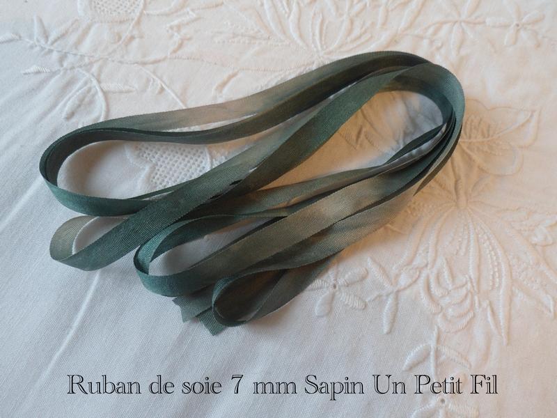 Ruban de soie 7 mm sapin un petit fil