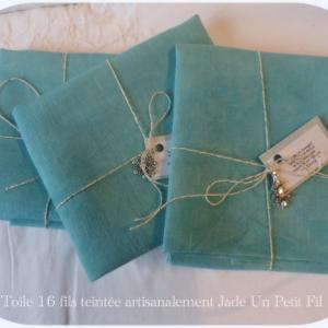 Toiles 16 fils teintees artisanalement jade un petit fil